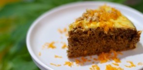 Carrot cake with cheese cream